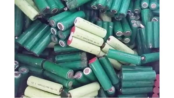 东莞锂电池回收厂家浅谈废锂电池梯阶利用和拆卸回收