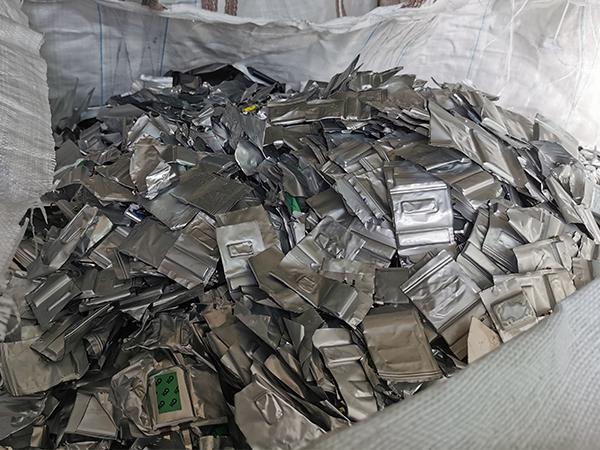 聚合物电池回收每吨价格 东莞锂电池回收厂家