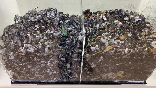 回收废旧锂离子电池预处理过程中的物理放电法和化学放电法