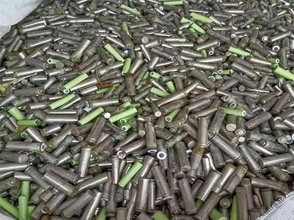 回收锂离子电池